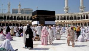 कोरोना वायरस: सऊदी अरब की मस्जिदों में नमाज पर रोक, दुनियाभर में 7,988 मौतें