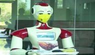 कोरोना वायरस के प्रकोप से बचाने के लिए  रोबोट बांट रह हैं सैनिटाइजर्स और मास्क, इस कपंनी ने की अनोखी पहल