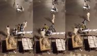 लॉकडाउन के दौरान बाइक पर घूमने निकले थे दो दोस्त, पुलिस पकड़ कर दी धुनाई, वीडियो में देखें फिर हुआ क्या