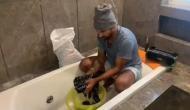 शिखर धवन घर में धो रहे कपड़े, साफ कर रहे बाथरूम, पत्नी मेकअप में हैं व्यस्त, देखें वीडियो
