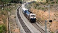 भारत ने नेपाल को सौंपी को आधुनिक रेलगाड़ियां, कोरोना के बीच देखने के लिए जमा हुए हजारों लोग