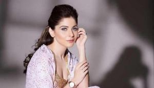 Kanika Kapoor shares emotional message for her fans says 'not in ICU'