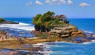 600 साल से समुद्र के बीचों-बीच खड़ा है ये मंदिर, सांप करते हैं इसकी सुरक्षा