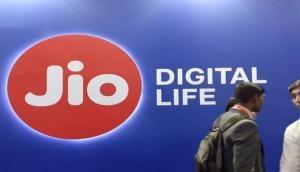 अंबानी का Reliance Jio ला रहा है JioMeet वीडियो कॉलिंग App, जूम को देगा टक्कर