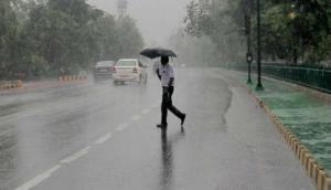 इन राज्यों में अगले चार दिन तक भारी बारिश और तूफान की चेतावनी, मौसम विभाग ने जारी किया अलर्ट