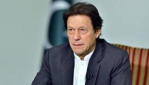 पाकिस्तान: PM इमरान खान ने अपने नागरिकों को कोरोना में मरने के लिए छोड़ा, कहा- खुद से बचो