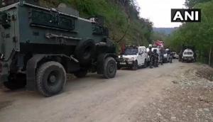 जम्मू-कश्मीर के कुलगाम में सेना और आतंकियों के बीच मुठभेड़, चार आतंकी ढेर, गोलीबारी जारी