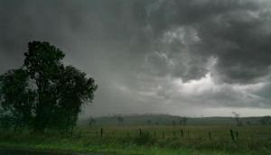 उत्तर प्रदेश में आज फिर आंधी और तेज बारिश की चेतावनी, अलगे एक सप्ताह तक खराब रहेगा मौसम