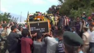 Uttarakhand: Last rites of soldier killed in ceasefire violation in Baramulla performed at his native village