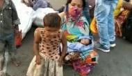 1100 किमी पैदल घर जा रही महिला मजदूर की सड़क पर हुई डिलीवरी, डेढ़ घंटे बाद फिर चलना शुरू