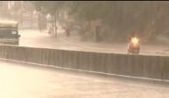 दिल्ली-NCR में आंधी के साथ तेज वर्षा, कुछ इलाकों में गिरे ओले, महाराष्ट्र के पुणे में भी भारी बारिश
