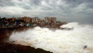 बंगाल की खाड़ी से उठा चक्रवाती तूफान 'अम्फान' हुआ खतरनाक, मौसम विभाग ने जारी की चेतावनी