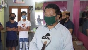 Bengaluru: Salon owner provides shelter to jobless professionals from Northeast and Nepal