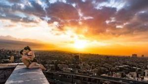 ईरान: कपल ने छत के कोने में Kiss कर फेसबुक पर डाली फोटो, पुलिस ने कर लिया गिरफ्तार