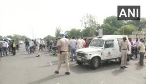 Chaos erupts at Gurugram-Delhi border as commuters stopped