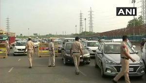 Lockdown 4.0: Heavy traffic movement at Delhi-Gurugram border; Police check passes, IDs of commuters