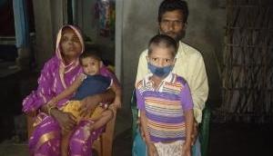वायरल हुआ था मृत मां को जगाते हुए बच्चे का वीडियो, शाहरुख खान ने ऐसे की मदद
