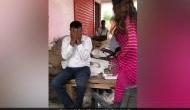 BJP से चुनाव लड़ चुकीं Tiktok स्टार सोनाली फोगाट ने कैमरे के सामने अफसर को चप्पल से पीटा