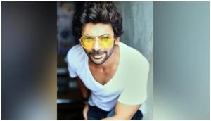 ROFL! Sunil Grover shares hilarious video on people 'working from home'