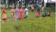 गजब: उत्तर प्रदेश में महिलाओं ने कोरोना वायरस को माना देवी मां, कर रही हैं पूजा-पाठ