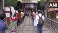 Unlock-1 : आज से देश के कई हिस्सों में खुल गए धार्मिक स्थल, सुबह-सुबह मंदिरों में दिखी कतारें