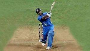 Happy Birthday Dhoni: जिस बल्ले से धोनी ने जिताया था वर्ल्ड कप 2011, कीमत जानकर उड़ जाएंगे होश