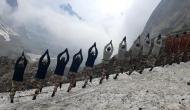 कश्मीर से कन्याकुमारी तक योग करने की लोगों में लगी होड़, जवानों ने हजारों फुट ऊंचाई पर किया योग