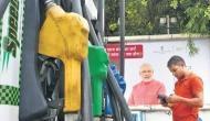 पेट्रोल-डीजल की कीमत में आज फिर हुई कटौती, जानिए अब क्या है आपके शहर में तेल का रेट