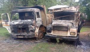 छत्तीसगढ़: सुकमा में सड़क निर्माण कार्य में लगे छह वाहनों में नक्सलियों ने लगाई आग