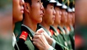 चीनी सेना के जवानों के कॉलर में लगाई जाती है नुकीली पिन, झुकते ही गर्दन से निकाल देती है खून