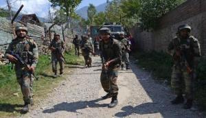 जम्मू-कश्मीरः श्रीनगर में आतंकियों और सुरक्षाबलों के बीच मुठभेड़, एक आतंकी ढेर