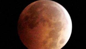 Lunar Eclipse 2020: गुरु पूर्णिमा के दिन लग रहा है चंद्र ग्रहण, इस दौरान भूलकर भी ना करें ये काम