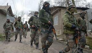 जम्मू-कश्मीर: अनंतनाग में सुरक्षा बलों और आतंकियों के बीच मुठभेड़, एक आतंकी ढेर, गोलीबारी जारी