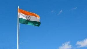 75th Independence Day: इस बार जम्मू-कश्मीर में फहराया जायेगा 100 फीट ऊंचा तिरंगा, जानिए पूरी डिटेल