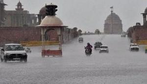 Weather Forecast: दिल्ली समेत इन राज्यों में आज झमाझम बारिश होने के आसार, तापमान गिरने से बढ़ेगी ठंड