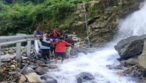 Uttarakhand: Elderly woman carried on makeshift stretcher to hospital in Pithoragarh