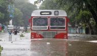 Mumbai Weather Update : मुंबई में बारिश से हाहाकार, कल शाम से हो रही भारी बारिश से कई इलाकों में भरा पानी, कई स्थानों पर लोकल सेवा ठप
