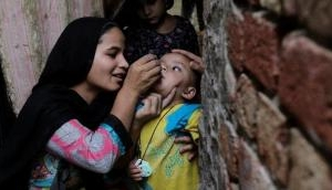 Pakistan: 11,000 polio health care workers lose jobs due to funding constraints