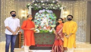 Ganesh Chaturthi: Maharashtra CM Uddhav Thackeray performs 'arti', seeks blessing of Lord Ganesha