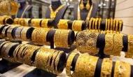 Gold Price Today: गोल्ड की कीमतों में फिर आ गई बड़ी गिरावट, आज ये हैं दिल्ली, पटना, लखनऊ के दाम