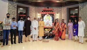 Sharad Pawar visits CM Uddhav Thackeray's house, offers prayers to Lord Ganesha