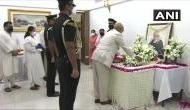 अलविदा प्रणब दा: पंचतत्व में विलीन हुए पूर्व राष्ट्रपति, बेटे अभिजीत ने किया अंतिम संस्कार