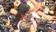 रिया चक्रवर्ती के साथ मीडियाकर्मियों की धक्का मुक्की पर बॉलीवुड स्टार्स का फूटा गुस्सा, कहा- शर्मनाक