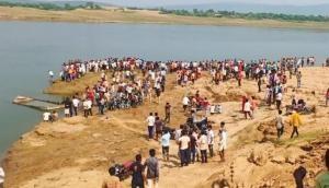 राजस्थान: चंबल नदीं में पलटी 30 लोगों से भरी नाव, 6 लोगों के मिले शव