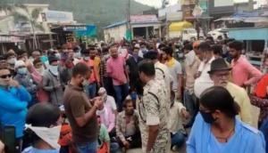 Journalist alleges assault by Congress workers in Chhattisgarh's Kanker, video goes viral