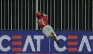 IPL 2020 KXIP vs RR: निकोलस पूरन ने हवा में 'सुपरमैन' बन पकड़ा शानदार कैच, बचाया छक्का, वीडियो देख आपको नहीं होगा यकीन