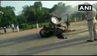 ट्रैक्टर जलाने को लेकर भड़के PM मोदी, कहा- जिन उपकरणों की पूजा करता है किसान, उसे आग लगा दी