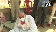 Hathras gangrape :अब हाथरस जा रहे TMC नेता डेरेक ओ ब्रायन पुलिस धक्का मुक्की में नीचे गिरे, देखिये वीडियो