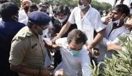 Hathras Gangrape: राहुल गांधी की तस्वीर पोस्ट कर BJP सांसद ने लिखा- सदी की सबसे बुरी एक्टिंग गिरने की