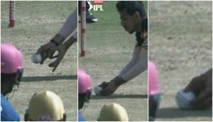 IPL 2020 RCB vs RR: यजुवेंद्र चहल ने एक हाथ से लिया शानदार कैच, लेकिन खराब अंपायरिंग को लेकर मच गया बवाल, देखें वीडियो